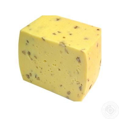 Молодой сыр с дабавками (укроп, базилик, грецкий орех, паприка, лук, шпинат)